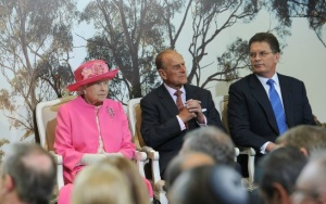 Elizabeth II @ Royal Children's hospital